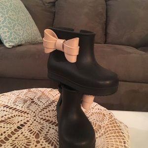 Mini Melissa baby boots. So cute!